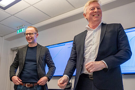 LYKKES MED NY FORRETNINGSMODELL: Nils Bernhard Nilssen i Tandem (t.v.) sammen med Einar Gynnild i Business Analyze.